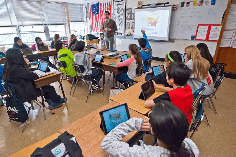 iPads+being+used+in+a+classroom+at+North+Middle