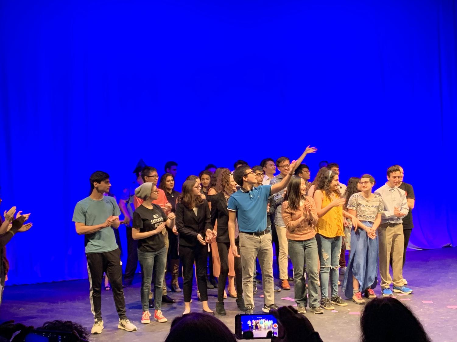 The cast and directors of the Thespian show proudly bowing. (Credit: Chloe Chu)
